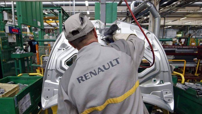 Scandale chez Renault : des cadres rapatriés mais 32 000 Marocains restent bloqués à l'étranger
