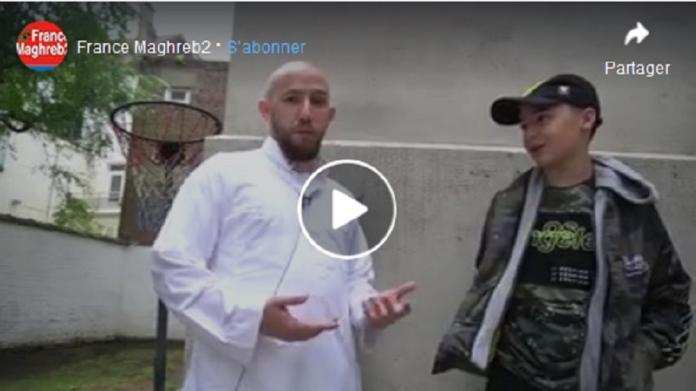 Un célèbre Youtubeur se convertit à l'Islam et répond aux questions de ses fans - VIDÉO
