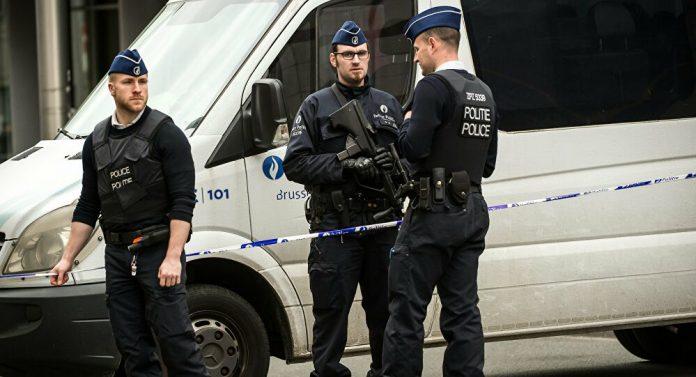 Belgique : trois anciens policiers en prison pour avoir racketté des migrants pendant des mois