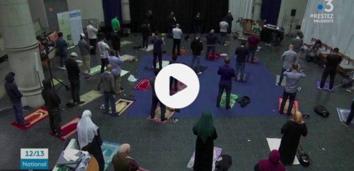 Berlin une église accueille les Musulmans pour la prière du vendredi - VIDEO