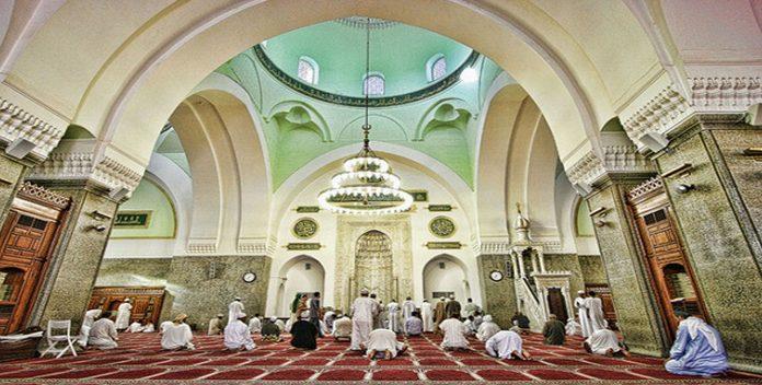De Jeddah à Jérusalem, les fidèles retournent dans leurs mosquées