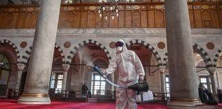 Inde - les désinfectants à base d'alcool dans les mosquées suscitent un débat parmi les savants
