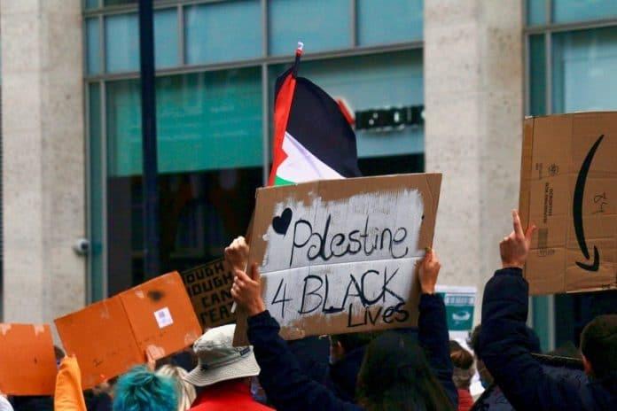 Le mouvement Black Lives Matter accusé d'antisémitisme pour son soutien aux Palestiniens