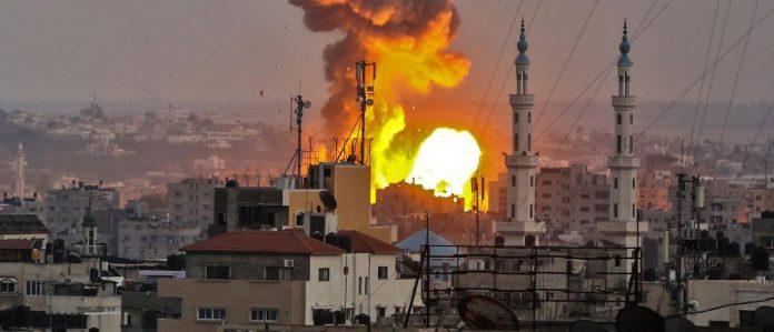 Les forces israéliennes lancent une attaque massive contre Gaza