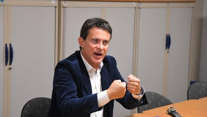 Manuel Valls accorde une interview controversée au magazine Valeurs Actuelles