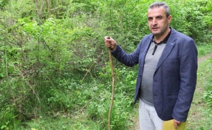 Un héros Algérien sans-papiers sauve une jeune femme et voit toute sa famille régularisée
