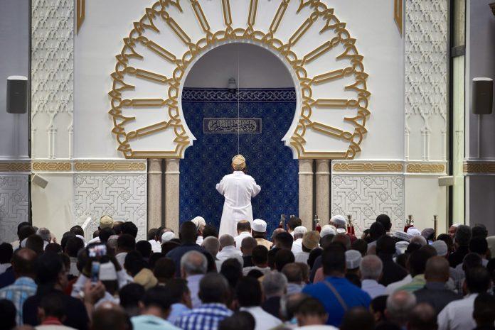 Algérie - les imams réclament la réouverture des mosquées