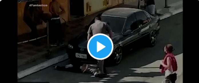 Brésil : Les images insoutenables d'un policier brutalisant une femme noire font scandale