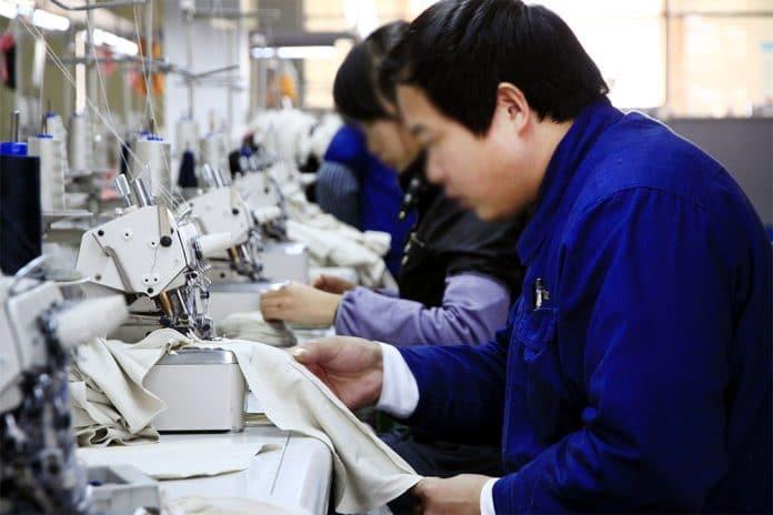 Chine : les Ouïghours forcés de fabriquer des masques qui sont ensuite exportés à l'international