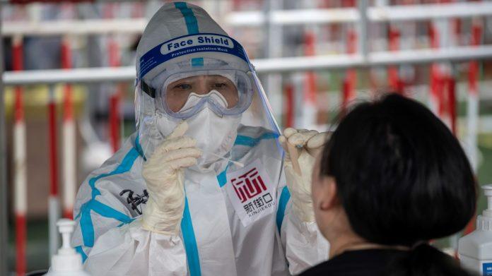 Coronavirus : une femme chinoise contamine 71 personnes en utilisant un ascenseur