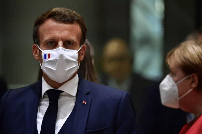 Emmanuel Macron : une photo de lui, fatigué et affalé dans un canapé, surprend les internautes