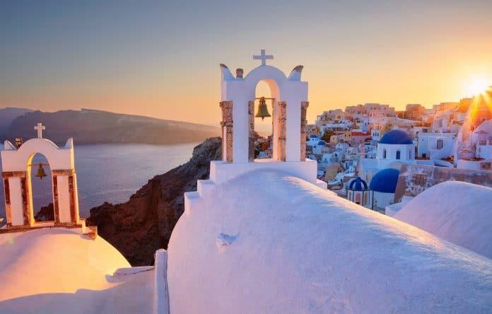 Grèce - les cloches des églises sonnent en signe de deuil pour la conversion de Saint-Sophie en mosquée