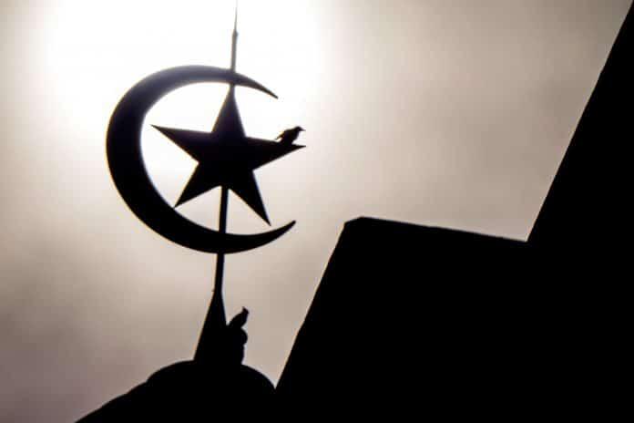 Histoire : le croissant islamique est-il un symbole religieux ou politique ?