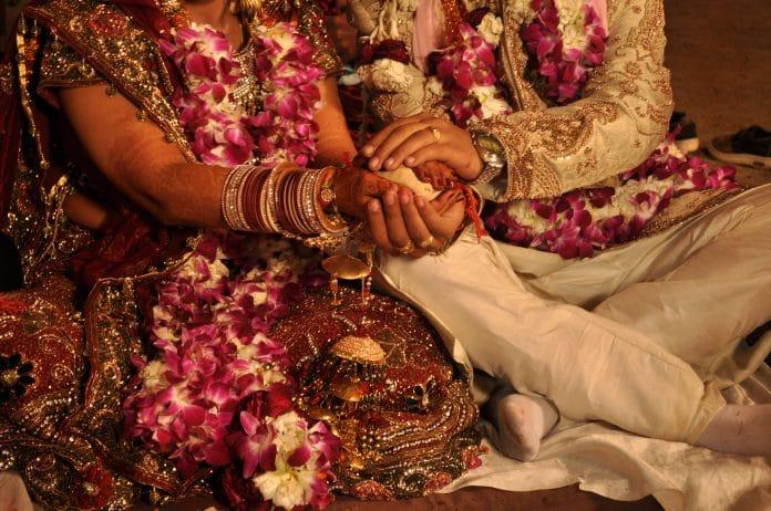 Inde - un jeune homme épouse deux femmes lors de la même cérémonie de mariage