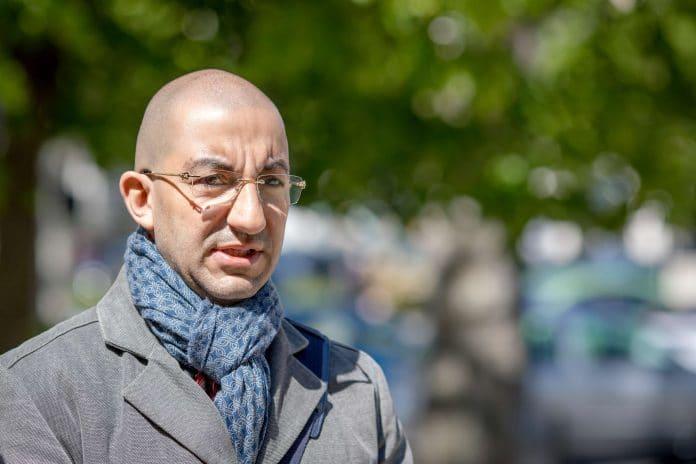 Jean Messiha déshonore la mémoire des parents et des cinq enfants morts dans l'accident de la Drôme