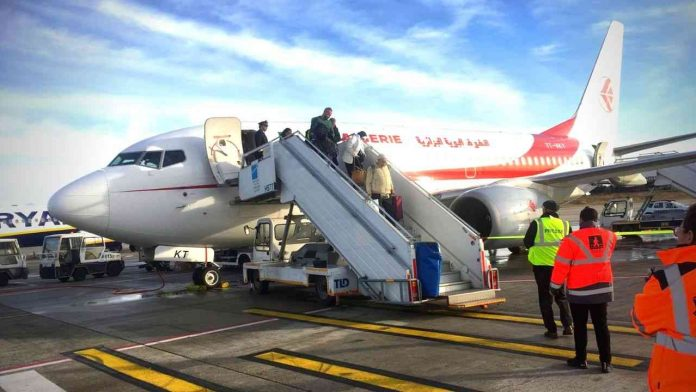L'Algérie annonce le début du rapatriement des citoyens depuis l'étranger