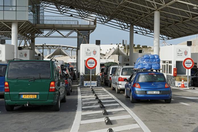 L'Espagne décide de fermer ses frontières au Maroc et à l'Algérie
