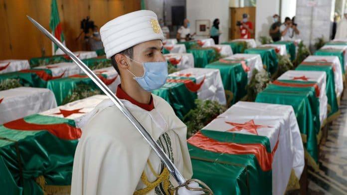La France restitue à l'Algérie 24 crânes d'anciens combattants décapités