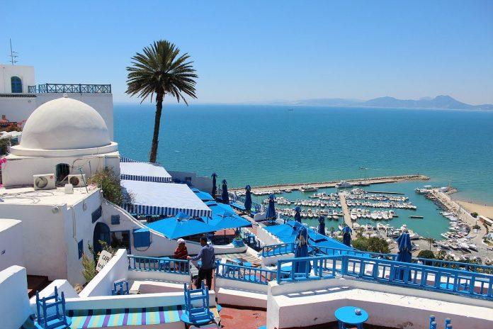 La Tunisie prête à accueillir les touristes algériens «dès maintenant»