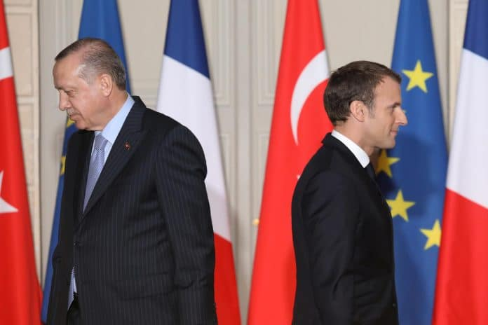 Les tensions entre la Turquie et la France menacent l'alliance de l'OTAN