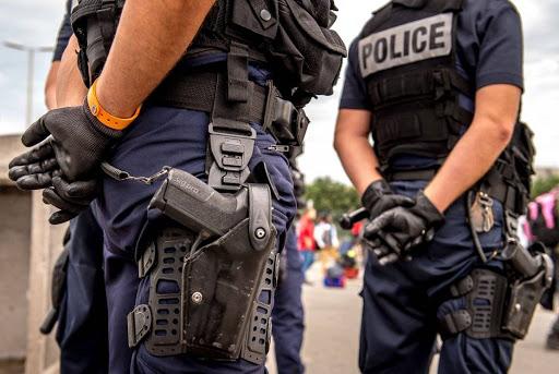 Paris - Les policiers m'ont frappé et m'ont demandé de nettoyer mon propre sang affirme un jeune invité de la soirée privée qui a dégénéré