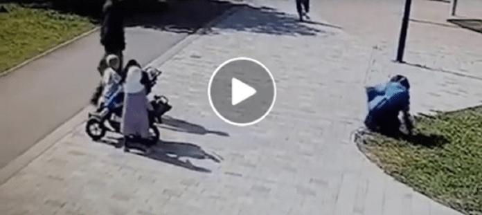 Russie : Une femme voilée violemment agressée devant ses enfants