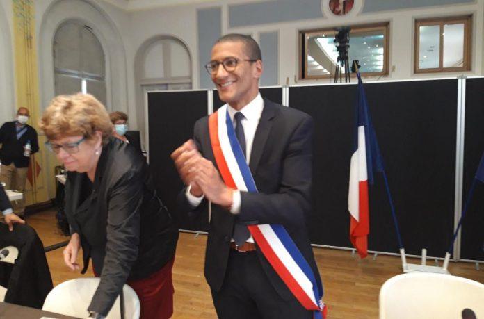 Saint-Ouen - un élu arrêté avec un joint puis sur un scooter volé est forcé à la démission