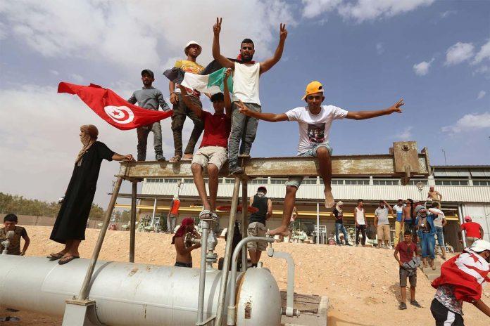 Tunisie - les manifestants ferment le principal site de production de pétrole du pays