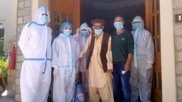Un Pakistanais de 103 ans survit au COVID-19