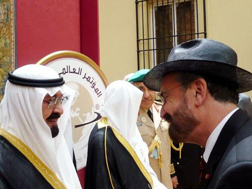 Un rabbin juif prie pour le rétablissement du roi Salman d'Arabie saoudite