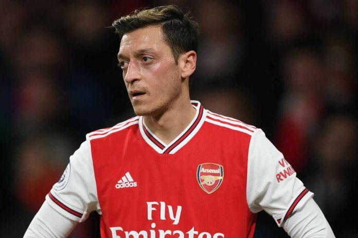 Arsenal : Mesut Ozil reproche à son club de ne pas soutenir suffisamment les musulmans