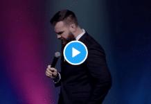 Australie : Un célèbre comédien se moque des musulmans tués lors de l'attaque des deux mosquées de Christchurch