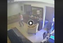 Beyrouth une vidéo montre un père essayant de protéger son fils des explosions