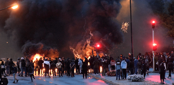 Émeutes en Suède après qu'un homme ait brûlé une copie du Saint Coran
