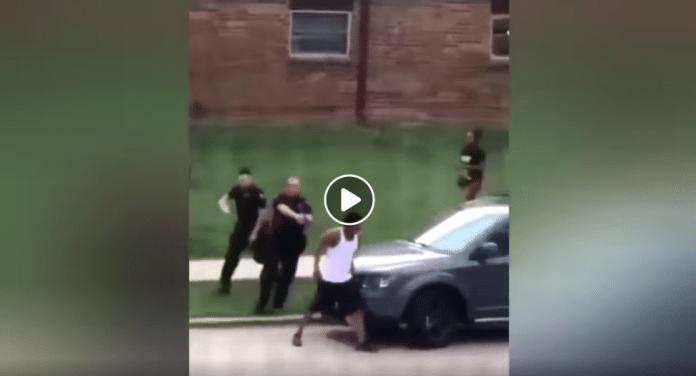 Etats-Unis un policier tire 7 fois dans le dos d'un homme noir non armé devant ses trois enfants - VIDEO
