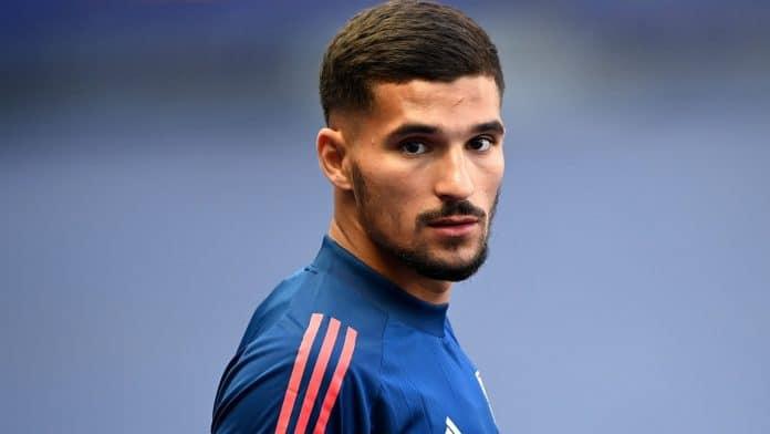 Houssem Aouar réagit aux rumeurs de transfert à Arsenal et à Manchester City
