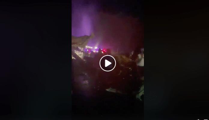 Inde un avion en provenance de Dubaï se brise en deux à l'atterrissage - VIDEO