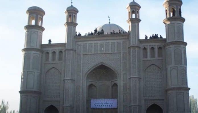 La Chine détruit une mosquée pour construire des toilettes publiques