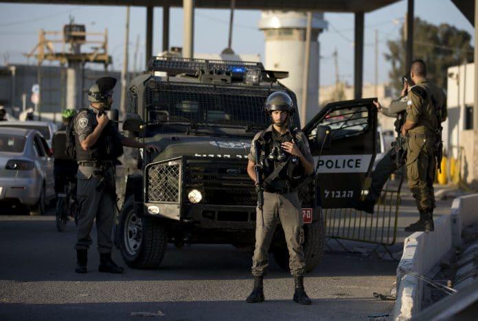 La police israélienne tire et blesse un Palestinien sourd et muet à un checkpoint