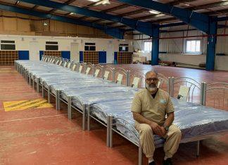 Londres - une mosquée fait un don de lits à une association caritative pour les sans-abri