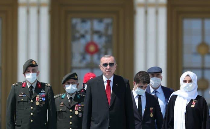 Turquie : le bilan quotidien de morts du COVID-19 atteint son plus haut niveau depuis mai