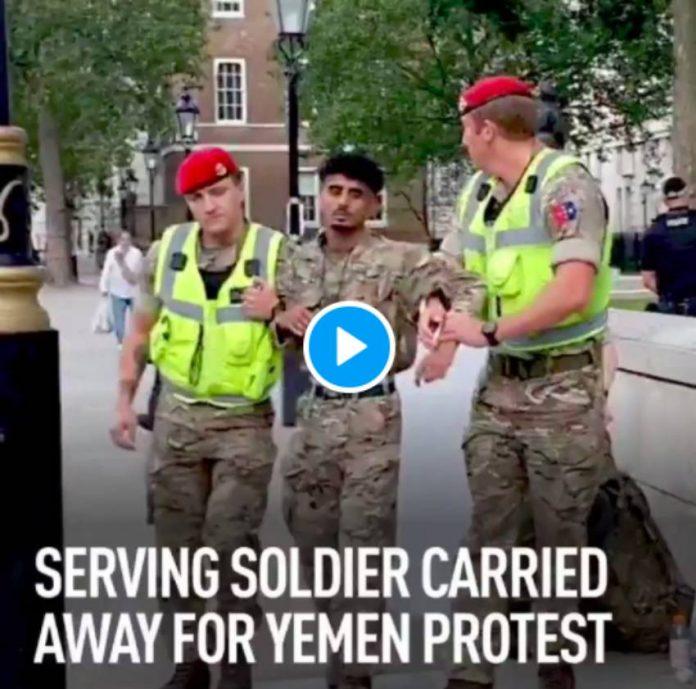 Un soldat britannique en service arrêté parce qu'il s'oppose à la guerre au Yémen - VIDEO (1)