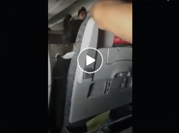 Vidéo : Une bagarre éclate en plein vol entre des passagères marocaines