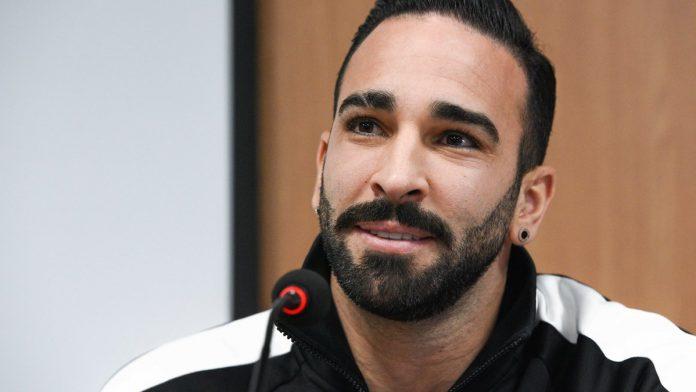«Sale arabe» - Adil Rami accuse un ancien joueur de l'OM de racisme«Sale arabe» - Adil Rami accuse un ancien joueur de l'OM de racisme