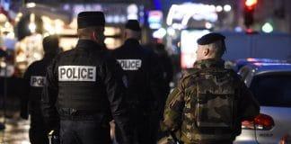 Carcassonne - une bagarre éclate entre des policiers et des militaires en pleine rue2