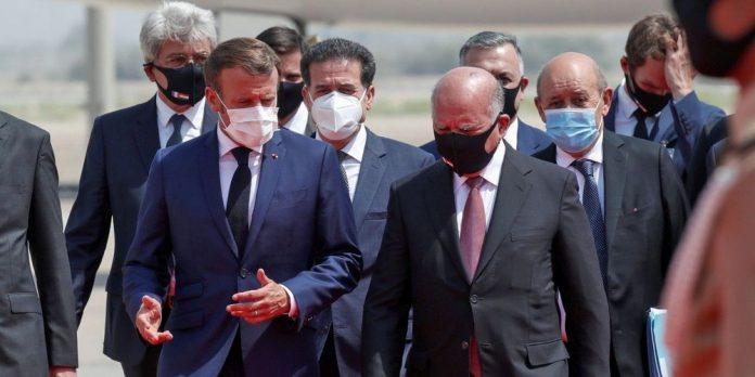 Emmanuel Macron arrive à Bagdad lors de sa première visite officielle en Irak
