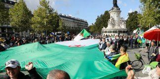 Hirak - des milliers d'Algériens marchent à Paris pour un changement en Algérie