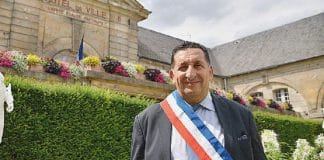 Le maire de Stains victimes d'attaques racistes et de menaces de mort, porte plainte