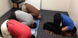 """Suède : Les musulmans ont désormais le droit à des """"pauses prière"""" pendant leur travail"""