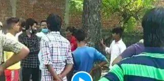 Un jeune musulman attaché à un arbre et battu à mort par une foule hindoue (1)